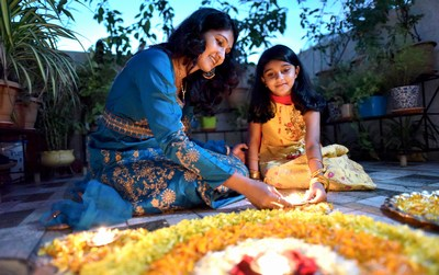decorate houses on Diwali